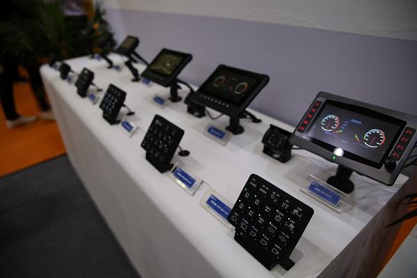 硕博电子显示屏及操作面板等产品